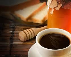 café con miel para tomar