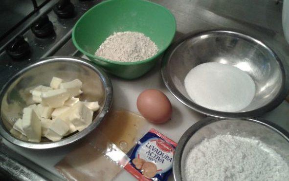 ingredientes para hacer galletas de avena y miel