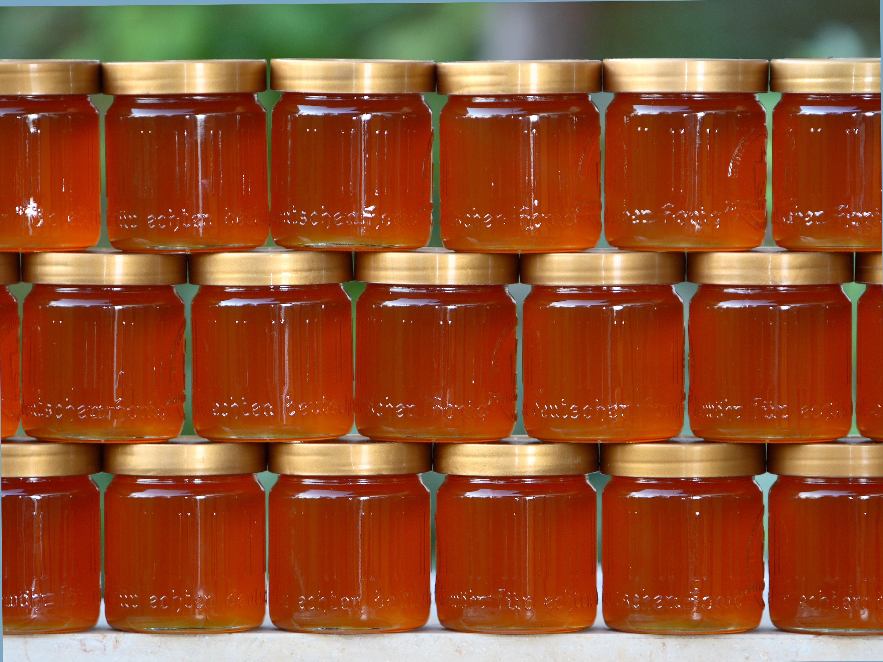 tarros de miel sellados