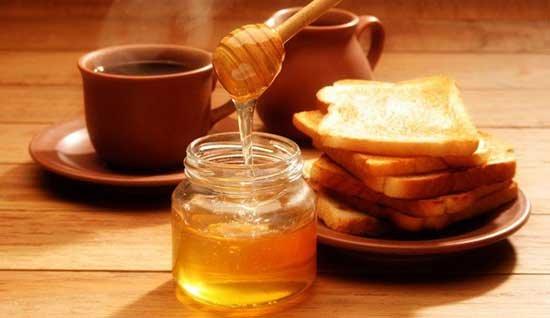 la miel engorda desayuno