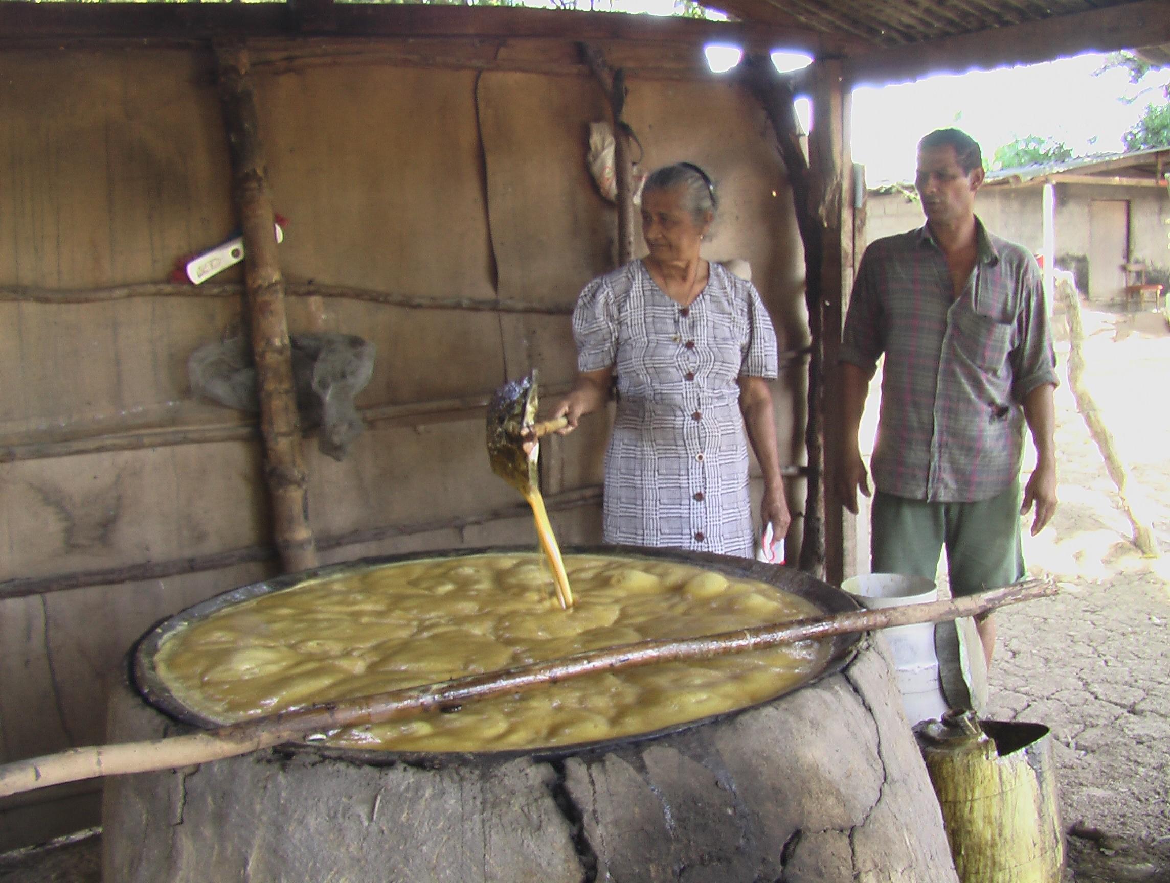 hacer miel de caña de manera tradicional