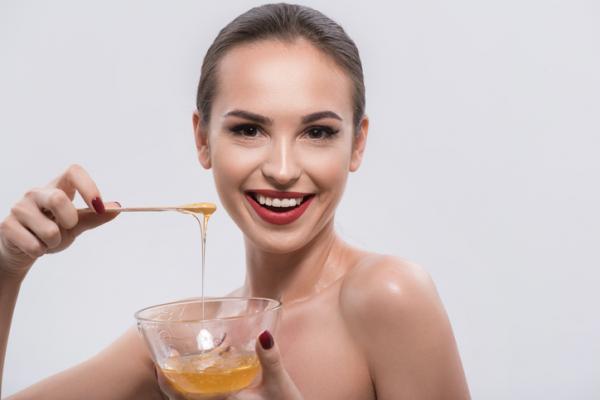 beneficios de la miel para la cara