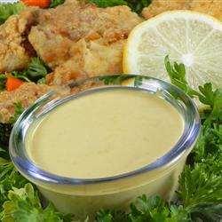 aspecto y coloración de la salsa de mostaza y miel
