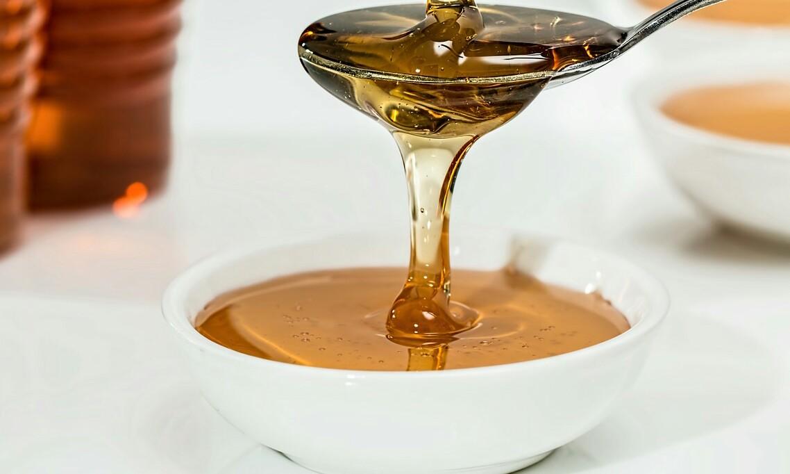 cucharada de miel para la mezcla